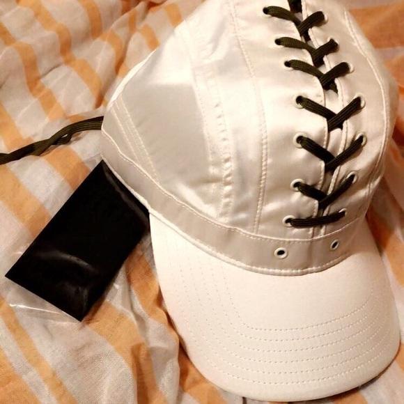 PUMA X FENTY Yellow /& Black Net Cap One Size